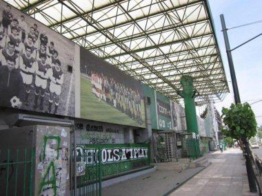Het Leoforos stadion, de voormalige thuishaven van voetbalclub Panathinaikos. [Foto: René Hoeflaak]