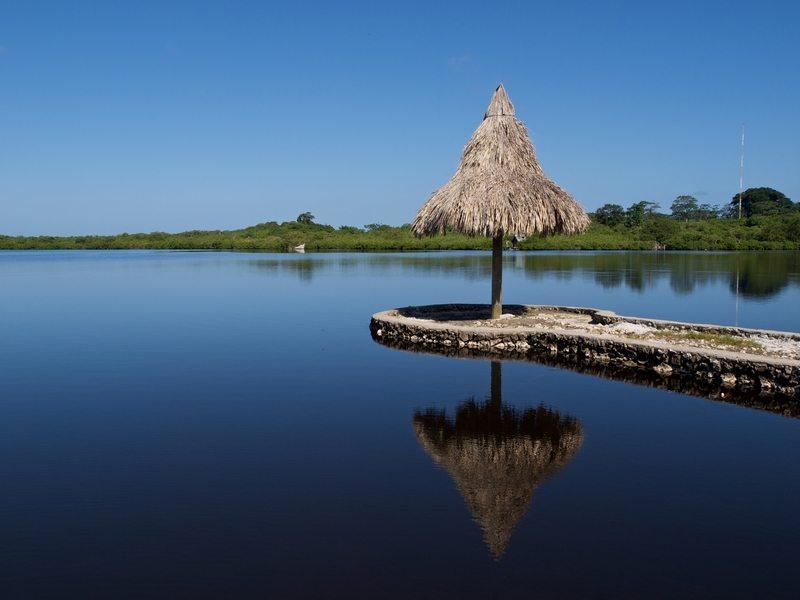Honduras een lagune op Utila island