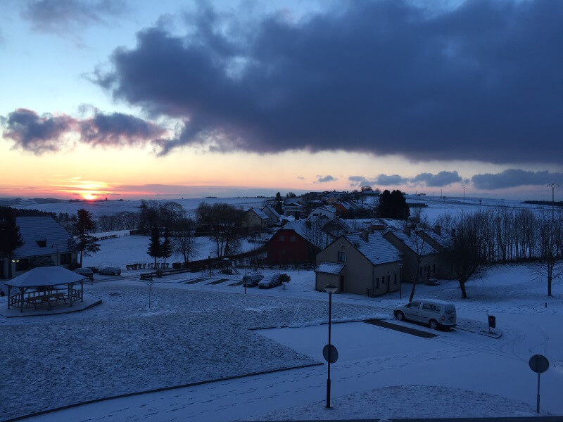 uitzicht huisje la sapiniere in Luxemburg
