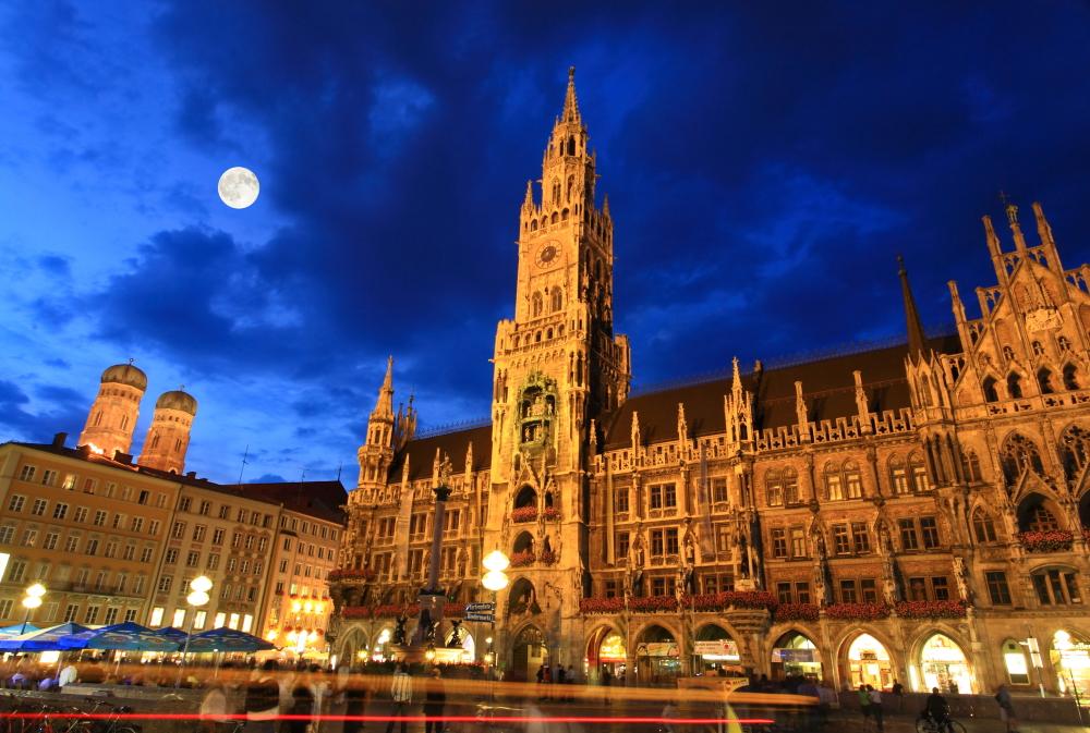 Duitsland - stadhuis in Marienplatz in München.