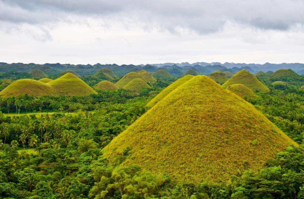 Filippijnen chocolate hills in Bohol