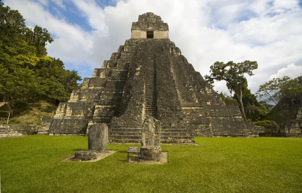 Guatemala de tempel van Tikal