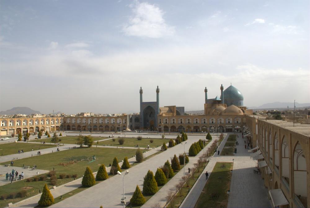 Iran Esfahan het Naghsh-e Jahan plein op de achtergrond de Shah moskee