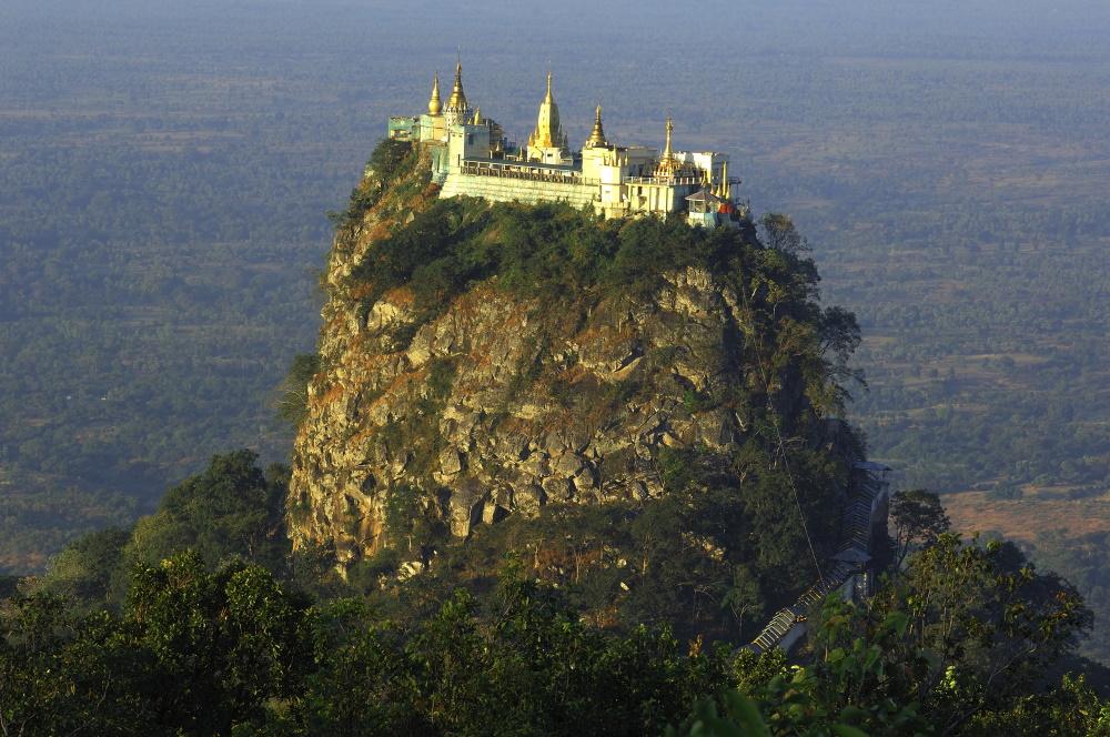 Myanmar popa hill klooster